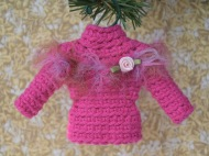 Sweater ornament in pink with ribbon rosette